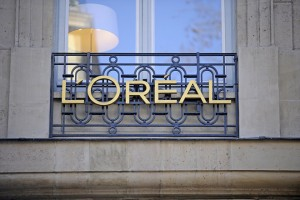epa06217992 (FILE) - View of L'Oreal sign in Paris, France, 16 February 2010 (reissued 21 September 2017). According to media reports, French businesswoman Liliane Bettencourt, the heiress of cosmetics giant L'Oreal and daughter of the company's founder, has died on 21 September 2017. Bettencourt was also considered the richest woman in the world, according to a Forbes rating. She was 94.  EPA/YOAN VALAT *** Local Caption *** 02035304