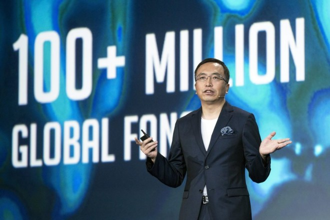 epa05508952 President World for Honor George Zhao delivers a speech during the keynote prior to the presentation of the new honor 8 at the Molitor pool in Paris, France, 24 August 2016. Honor is the mobile brand of Chinese telecom devices giant Huawei.  EPA/ETIENNE LAURENT