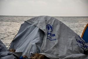 Σκηνές προσφύγων και μεταναστών μέσα στις λάσπες, στον καταυλισμό στη Σούδα μετά την ισχυρή νεροποντή, λίγες εκατοντάδες μέτρα από το κέντρο της πόλης της Χίου, Δευτέρα 28 Νοεμβρίου 2016. ΑΠΕ-ΜΠΕ/ΑΠΕ-ΜΠΕ/ΣΤΡΑΤΗΣ ΜΠΑΛΑΣΚΑΣ