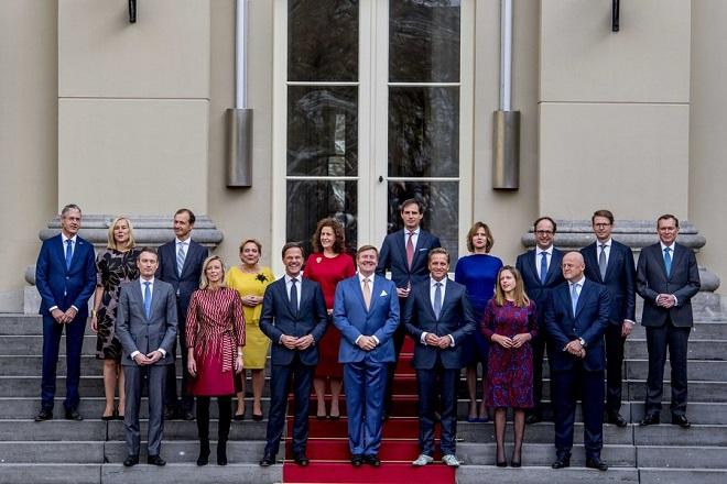 Ορκίστηκε η νέα κυβέρνηση στην Ολλανδία έπειτα από εφτά μήνες διαπραγματεύσεων