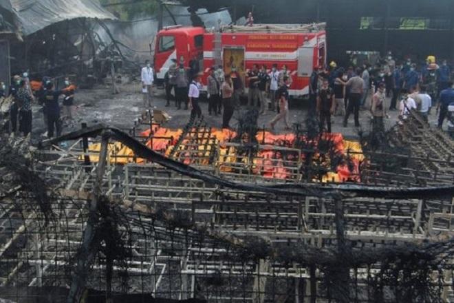 Δεκάδες νεκροί από έκρηξη σε εργοστάσιο κατασκευής πυροτεχνημάτων στην Ινδονησία