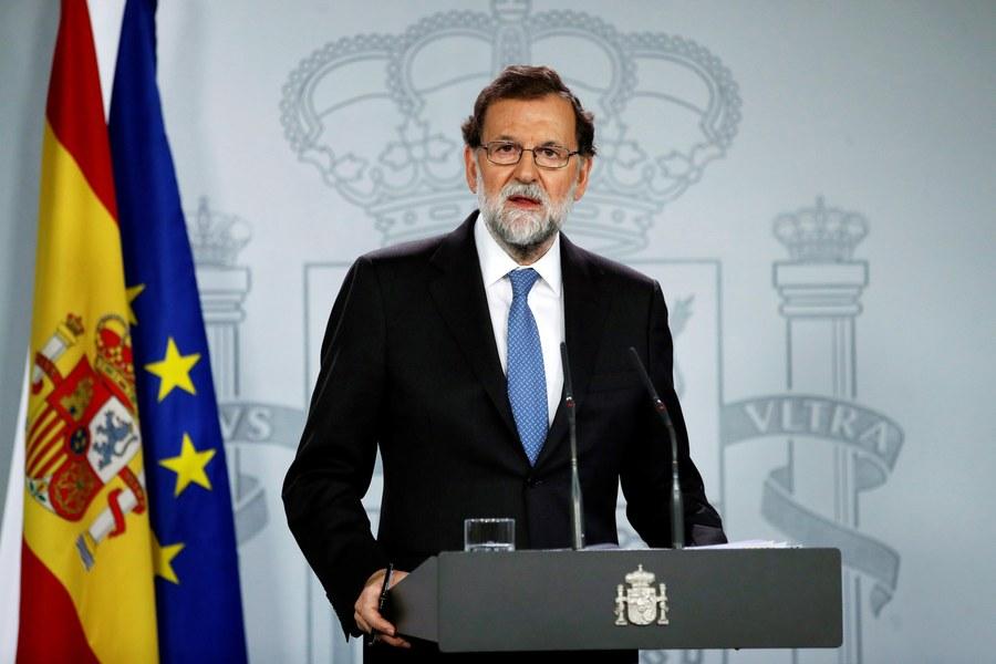 Ο Μαριάνο Ραχόι καθαίρεσε τον ηγέτη της Καταλονίας με τηλεοπτικό διάγγελμα