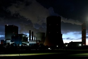 epa06297320 Steam rises at night from the brown coal-fired power plant Niederaussem operated by RWE in Bergheim, Germany, 29 October 2017. The UN Climate Change Conference COP23 will take place in Bonn from 06 to 17 November 2017, only a few kilometers away from Europe's largest carbon dioxide source, the Rhenish Brown Coal Field.  EPA/SASCHA STEINBACH