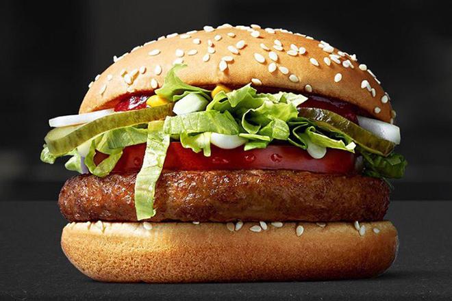 Τα McDonald's έβγαλαν το πρώτο τους… vegan μπέργκερ