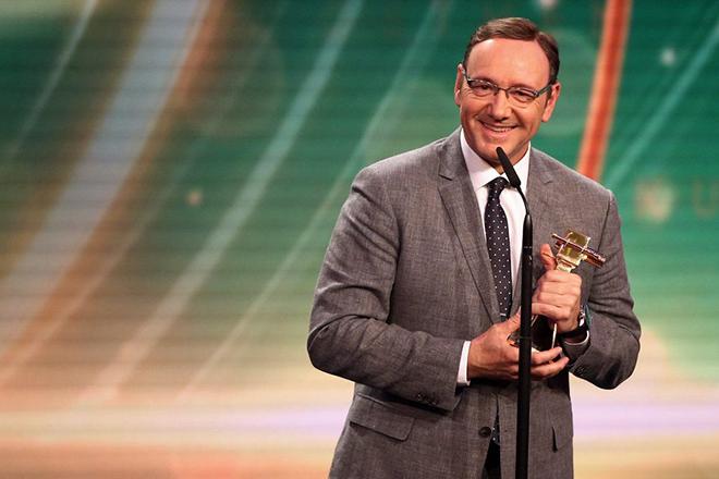 Δεν θα απονεμηθεί βραβείο Emmy στον Κέβιν Σπέισι μετά τις σοκαριστικές αποκαλύψεις