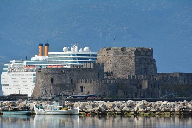 Πόσα έσοδα και θέσεις εργασίας δημιούργησε η ακτοπλοΐα στην Ελλάδα