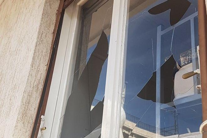 Σοκάρει η ρατσιστική επίθεση στο σπίτι του μικρού Αμίρ