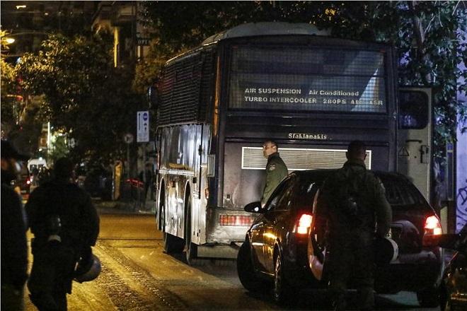Επίθεση στο ΠΑΣΟΚ: Ποιούς υποπτεύεται η ΕΛ.ΑΣ και που στρέφεται η έρευνα