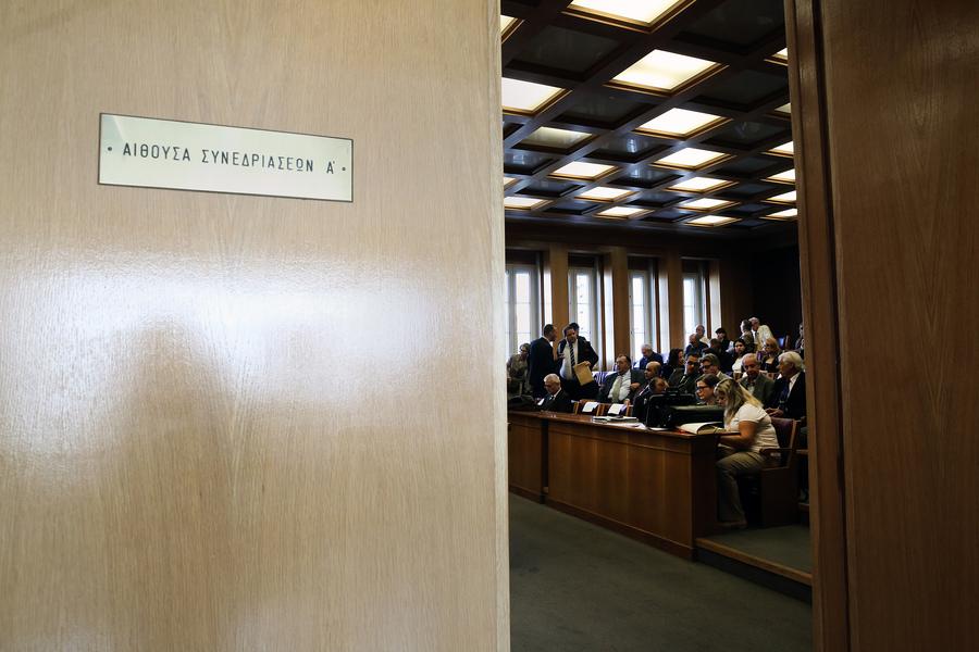 Κυβερνητικές πρωτοβουλίες για την ασφάλεια των συμβολαιογράφων με σκοπό να «ξεκλειδώσει» τους πλειστηριασμούς