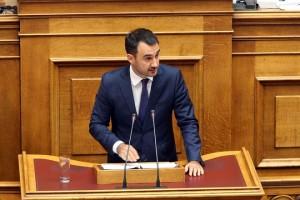 Ο αναπληρωτής υπουργός Οικονομίας και Ανάπτυξης Αλέξανδρος Χαρίτσης μιλάει στη Βουλή, Πέμπτη 7 Σεπτεμβρίου 2017. Πραγματοποιείται στην Ολομέλεια της Βουλής η συζήτηση και ψήφιση του σχεδίου νόμου του Υπουργείου Εργασίας, Κοινωνικής Ασφάλισης και Κοινωνικής Αλληλεγγύης «Συνταξιοδοτικές ρυθμίσεις Δημοσίου και λοιπές ασφαλιστικές διατάξεις, ενίσχυση της προστασίας των εργαζομένων, δικαιώματα ατόμων με αναπηρίες και άλλες διατάξεις». ΑΠΕ-ΜΠΕ/ΑΠΕ-ΜΠΕ/Παντελής Σαίτας