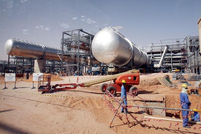 Επενδύσεις «μαμούθ» ύψους 300 δισ. δολαρίων από την Aramco