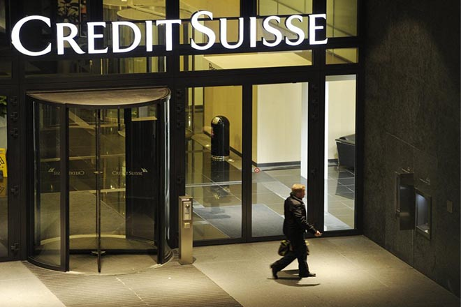 epa05686260 (FILE) A file picture dated 17 November 2011 shows Swiss bank Credit Suisse in Zurich, Switzerland. Credit Suisse has agreed to pay US authorities 2.48 billion US dollars to settle claims that it misled investors in residential mortgage-backed securities it sold in the run-up to the 2008 financial crisis, Credit Suisse stated on 23 December 2016.  EPA/STEFFEN SCHMIDT