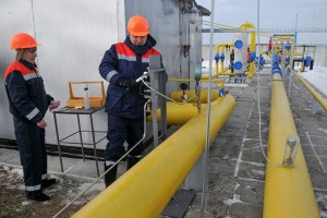 epa05793404 A worker checks equipment at the Dashava gas storage near western Ukrainian town of Stryi, 14 February 2017. The Board of Directors of Russian Gazprom company on 09 February approved the acquisition of additional shares in Nord Stream 2 worth EUR 1.425 billion, according to the company report. Nord Stream 2 AG is a company established for the planning, construction and further use of the Nord Stream-2 gas pipeline running from the Russian coast to Germany via the Baltic Sea bypassing Ukraine.  EPA/PAVLO PALAMARCHUK