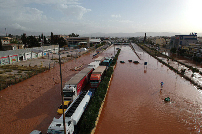 Η Ελλάδα ζητά τη βοήθεια της Κομισιόν για τις πλημμύρες – Άμεση ανταπόκριση από Γιούνκερ