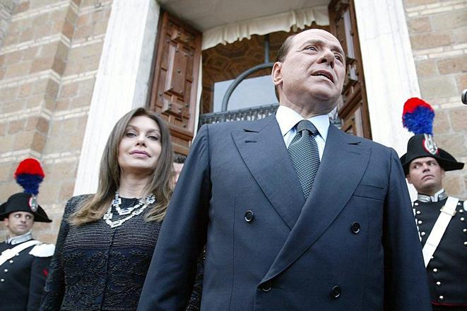 Κατά 60 εκατ. ευρώ πλουσιότερο θα κάνει τον Μπερλουσκόνι η πρώην γυναίκα του