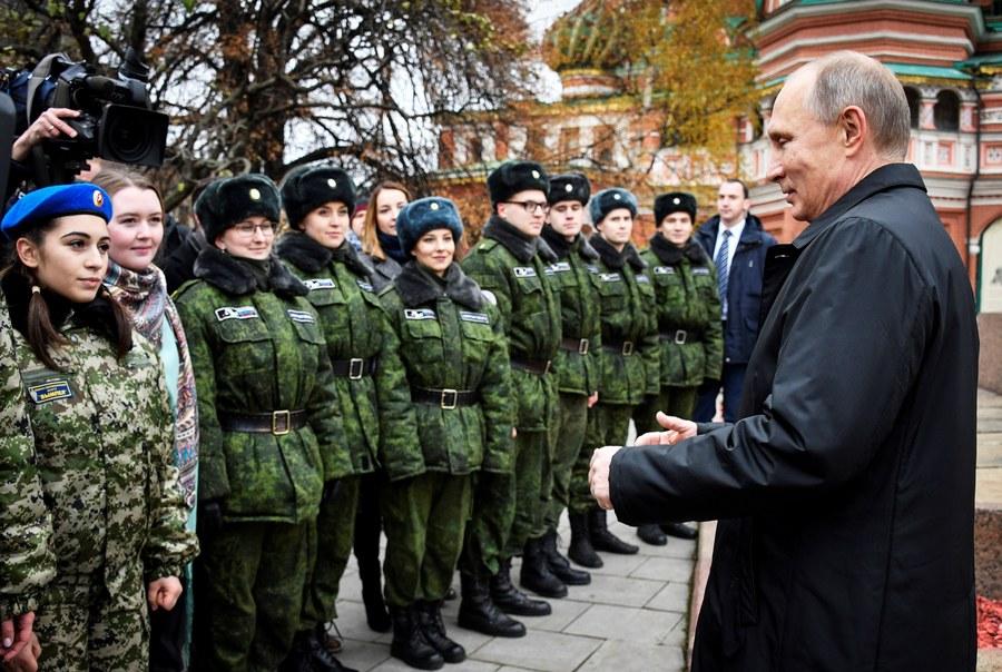 Ο Πούτιν αυξάνει θεαματικά το δυναμικό των ενόπλων δυνάμεων της Ρωσίας