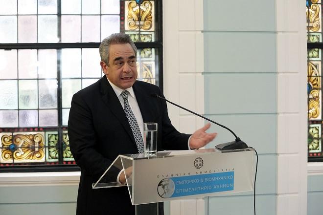 Ο πρόεδρος του ΕΒΕΑ Κωνσταντίνος Μίχαλος μιλάει σε εκδήλωση στο ανακαινισμένο ιστορικό κτίριο του Εμπορικού και Βιομηχανικού Επιμελητηρίου Αθηνών (Αμερικής 8), για τα εγκαίνια της λειτουργίας του ως Κέντρο Ανάπτυξης Επιχειρηματικότητας, Αθήνα, τη Δευτέρα 29 Μαϊου 2017. ΑΠΕ-ΜΠΕ/ΑΠΕ-ΜΠΕ/ΣΥΜΕΛΑ ΠΑΝΤΖΑΡΤΖΗ