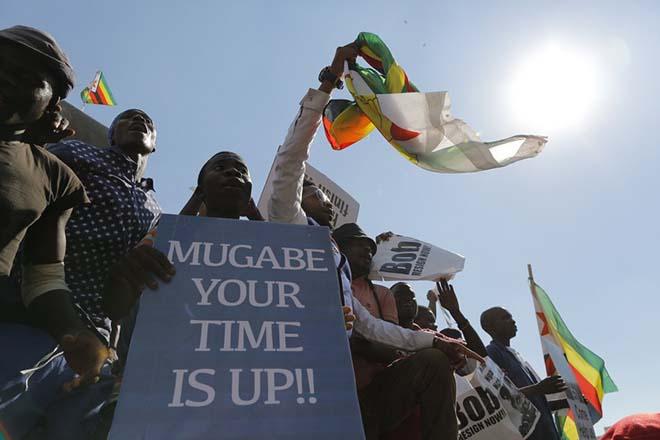 Παρελθόν αποτελεί ο Ρόμπερτ Μουγκάμπε από την ηγεσία της Ζιμπάμπουε