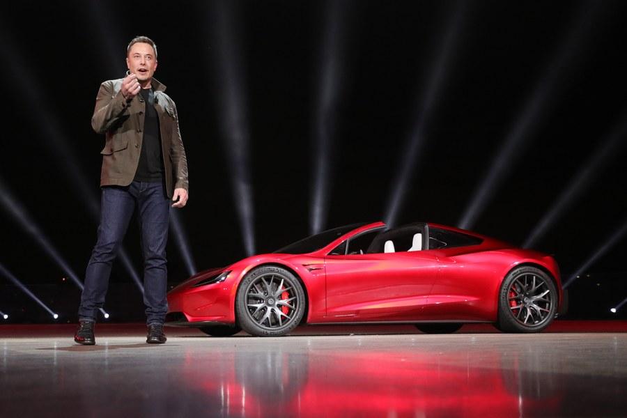 Το νέο αυτοκίνητο της Tesla που δεν γνώριζαν ούτε οι εργαζόμενοί της ότι θα παρουσιαστεί