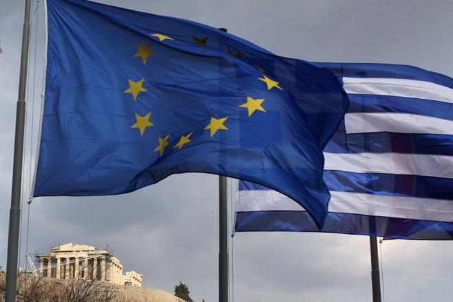 FT: Στο 3,9% η απόδοση του 10ετούς ελληνικού ομολόγου – «Εστία σταθερότητας» η Ελλάδα