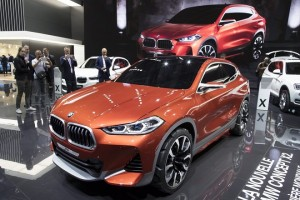 epa05564010 A BMW X2 is displayed at the Paris Motor Show 'Mondial de l'Automobile' in Paris, France, 30 September 2016. The Paris Motor Show, which takes place every two years, runs from 01 to 16 October 2016 with international car makers presenting their latest models and studies.  EPA/IAN LANGSDON