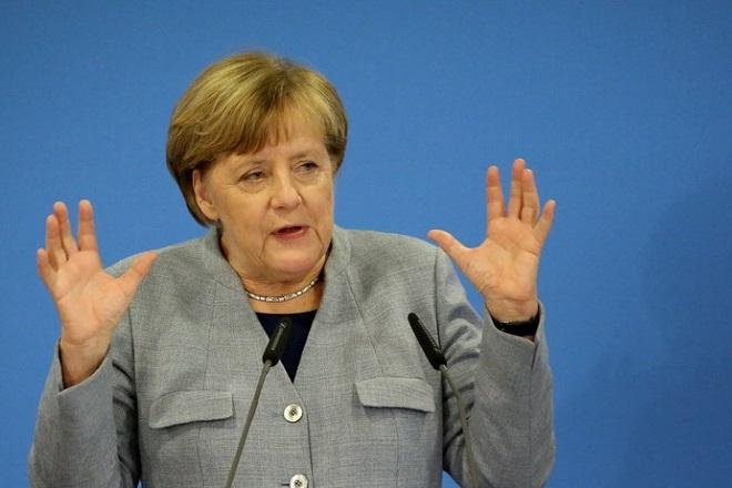 Έτοιμη να συνεχίσει την πολιτική κλειστών συνόρων η Μέρκελ