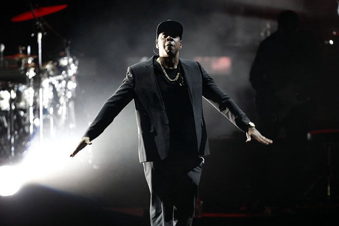 epa05618249 US recording artist Jay Z performs on stage at a campaign event for Democratic presidential candidate Hillary Clinton during the 'Get Out The Vote' concert at the Wolstein Center in Cleveland, Ohio, USA, 04 November 2016. The US presidential election is scheduled for 08 November 2016.  EPA/DAVID MAXWELL
