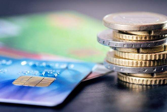 Ακόμα και στο περίπτερο οι Έλληνες πληρώνουν με κάρτα