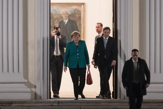 Πολιτικό θρίλερ στη Γερμανία: Δεν υπάρχει πράσινο φως λέει ο Σουλτς και διαψεύδει την Bild