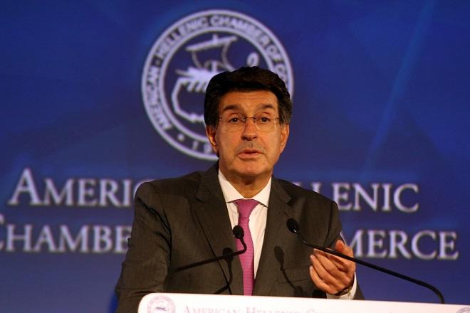 Ο πρόεδρος του ΣΕΒ Θόδωρος Φέσσας κατά την ομιλία του στην 1η ημέρα του συνεδρίου του Ελληνο-Αμερικανικού Εμπορικού Επιμελητηρίου για την Ελληνική οικονομία, Δευτέρα 4 Δεκεμβρίου 2017. ΑΠΕ-ΜΠΕ/ΑΠΕ-ΜΠΕ/Αλέξανδρος Μπελτές