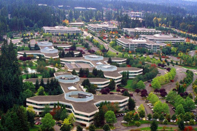 epa01241505 Undated handout by Microsoft shows an aerial view of the Microsoft Redmond Campus in Redmond, Washington, USA. US software giant Microsoft, producer of the Windows computer operating system, said 01 February 2008 it plans to buy internet firm Yahoo!  EPA/MICROSOFT HANDOUT  EDITORIAL USE ONLY