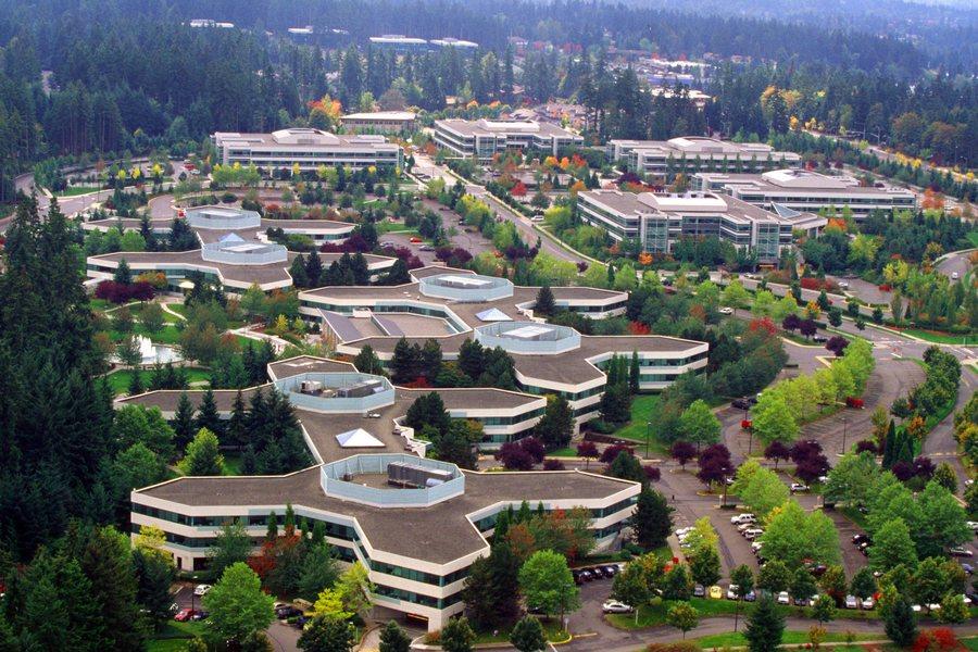 Η Microsoft κατεδαφίζει τα γραφεία της για να χτίσει μια μίνι πόλη