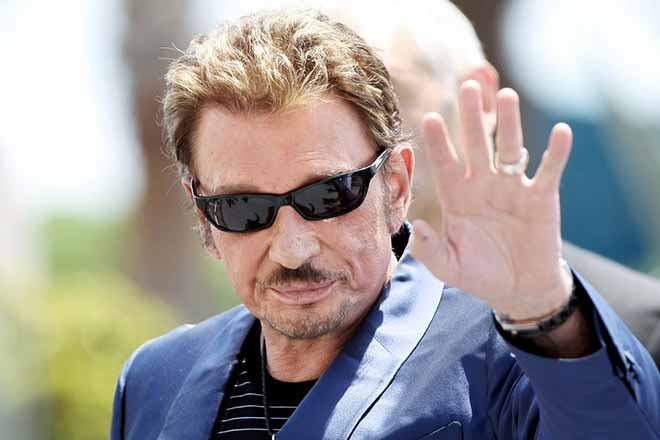 epa06370483 (FILE) A file picture dated 17 May 2009 shows French musician and singer Johnny Hallyday at the 62nd Cannes Film Festival in Cannes, France (reissued 06 December 2017). According to reports on 06 December 2017, French singer and actor Johnny Hallyday died at the age of 74.  EPA/IAN LANGSDON *** Local Caption *** 01962685