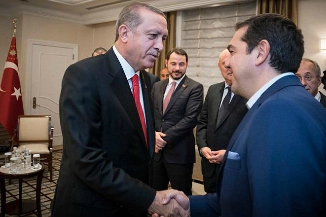 Την άμεση απελευθέρωση των δύο Ελλήνων στρατιωτικών ζήτησε ο Τσίπρας από τον Ερντογάν