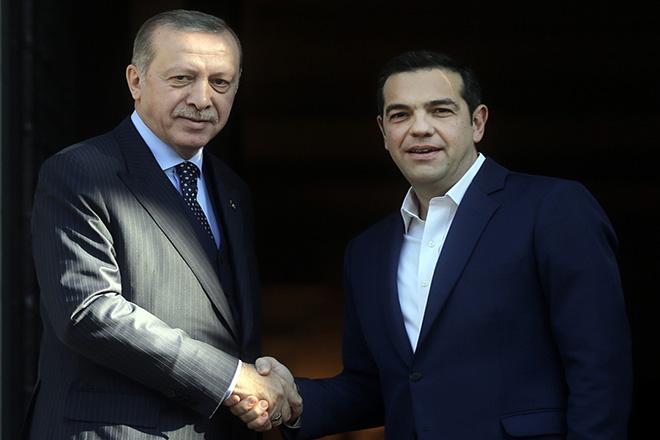 Έρευνα Public Issue: Τι πιστεύουν οι Έλληνες για τις σχέσεις με την Τουρκία