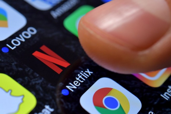 epa06316589 A close-up image showing the Netflix app on an iPhone in Kaarst, Germany, 08 November 2017.  EPA/SASCHA STEINBACH ILLUSTRATION