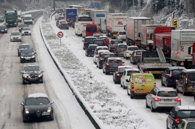 Στα λευκά η Ευρώπη – Ποιες χώρες αντιμετωπίζουν προβλήματα από την κακοκαιρία
