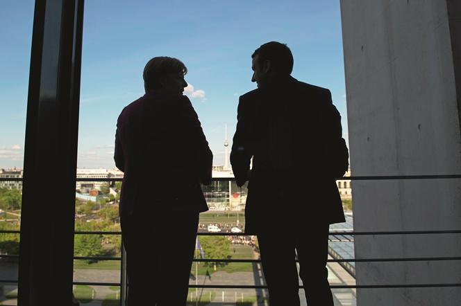 Το σχέδιο του κόμματος της Μέρκελ βάζει φραγμούς στα «όνειρα» Μακρόν για το μέλλον της Ευρωζώνης
