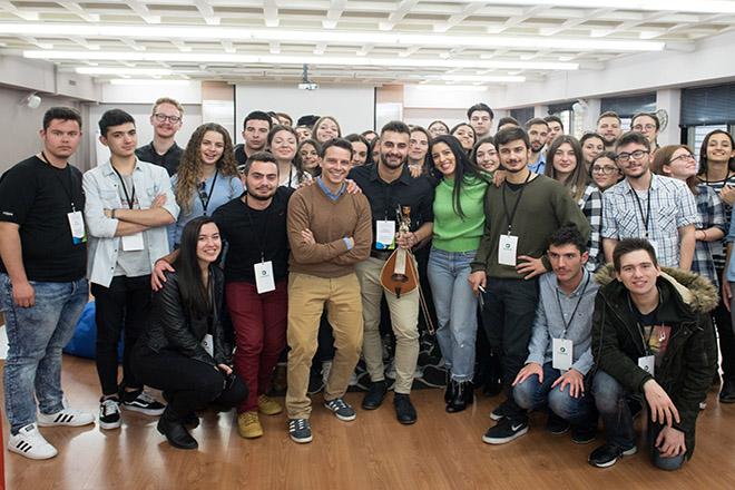 Πρόγραμμα Υποτροφιών COSMOTE: 620.000 ευρώ σε 41 φοιτητές που δίνουν μαθήματα ζωής