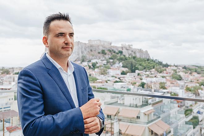 Στάθης Παρχαρίδης: «Live» παντού χωρίς περιορισμούς