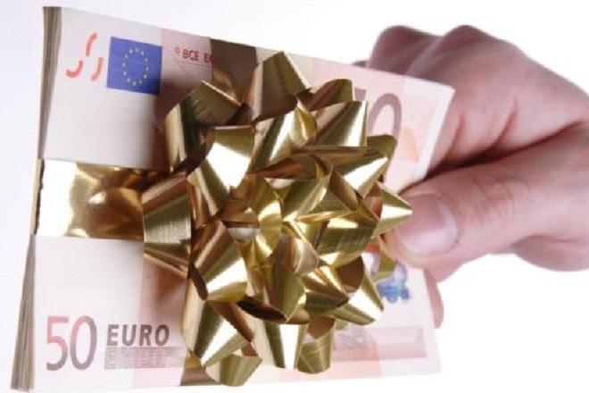 Δώρο Χριστουγέννων στον ιδιωτικό τομέα: Πότε και πόσα θα πάρετε