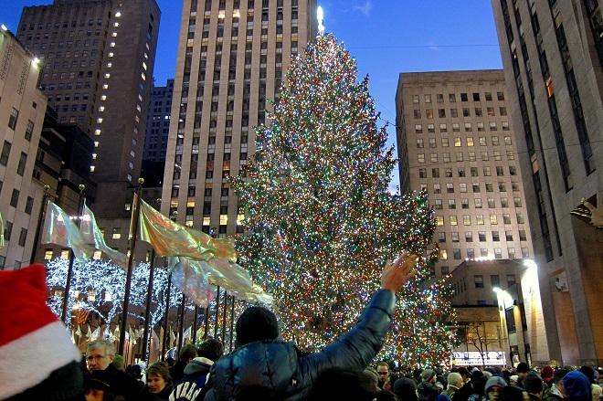 Δέκα από τα πιο εντυπωσιακά χριστουγεννιάτικα δέντρα του 2017