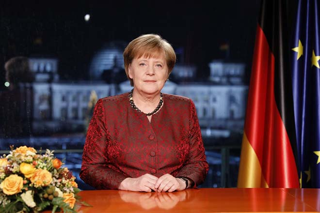 epa06410843 German Chancellor Angela Merkel records her annual, televised new year's address in Berlin, Germany 20 December 2017, (issued 31 December 2017). Merkel is entering 2018 still seeking a new government following elections in September, 2017. Her party, the German Christian Democrats (CDU), together with the CSU of Bavaria, are in talks with the German Social Democrats (SPD), though the outcome remains so far uncertain.  EPA/Michele Tantussi / POOL (EDITOR'S NOTE: Publication embargoed until 0:00 on December 31, 2017)