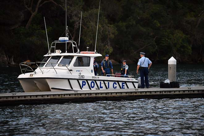 epa06411040 Emergency services at the scene of a seaplane crash at Apple Treet Bay, Ku-ring-gai Chase National Park in NSW, Sydney, Australia, 31 December 2017. The Sydney Seaplanes aircraft was carrying a pilot and five passengers when it crashed at Cowan Creek, Jerusalem Bay on the Hawkesbury River east of Cowan.  EPA/PERRY DUFFIN  AUSTRALIA AND NEW ZEALAND OUT