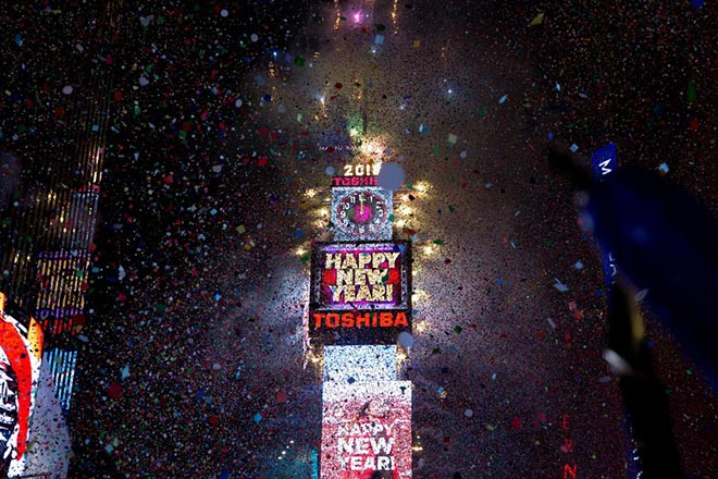 Ο πλανήτης ετοιμάζεται να υποδεχθεί το 2019, μια νέα χρονιά γεμάτη αβεβαιότητες