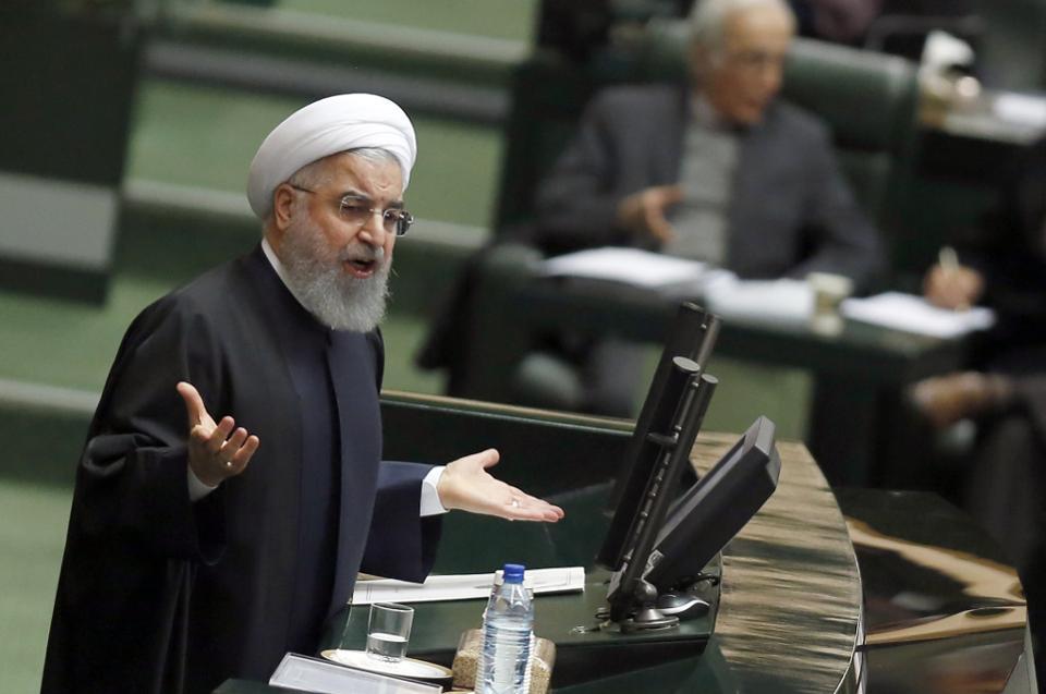 Η γκάφα του Τραμπ όταν ανακοίνωσε τις νέες κυρώσεις σε βάρος του Ιράν – Προειδοποίηση της Μόσχας για την κλιμάκωση