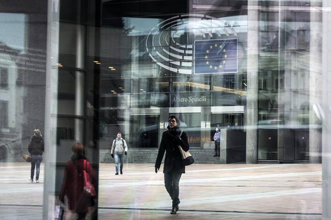 «Πράσινο φως» από το Eυρωπαϊκό Kοινοβούλιο στη χορήγηση βίζας για ανθρωπιστικούς λόγους