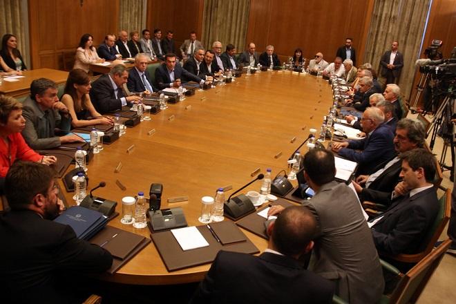Συνεδριάζει το υπουργικό συμβούλιο για τα προαπαιτούμενα