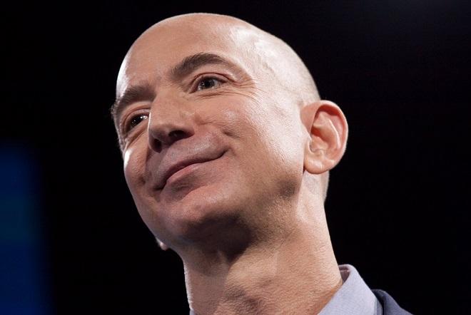 Τζεφ Μπέζος: Έγινε ο πλουσιότερος άνθρωπος της σύγχρονης ιστορίας