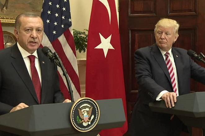 Οι ΗΠΑ «παγώνουν» την πώληση αμυντικού εξοπλισμού στην Τουρκία – Άγκυρα: Θα έχετε αντίποινα